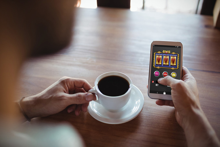 Mobile Betting in Coffee Shop