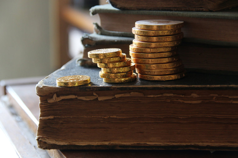 Vintage Books and Coins